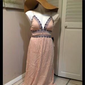 Lulus maxi dress 👗